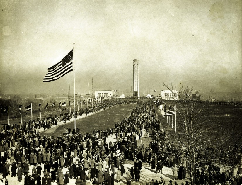 The Liberty Memorial site dedication looking north in Kansas City, Missouri on November 1, 1921.  Photo: Library of Congress